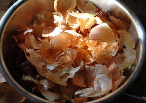 we-are-not-aware-of-this-miracle-never-toss-away-the-peel-from-onions