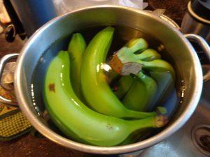 Банановый настой — лучший друг комнатным растениям